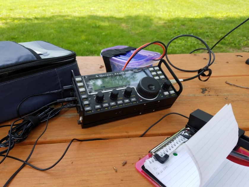 Picnic table portable for the International Field Radio Event. The Alexloop was on a short tripod on top of the table.