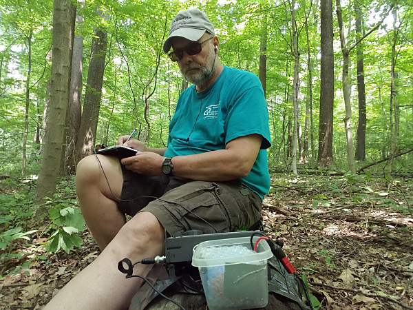 WB3GCK sitting like a bump on a log along the Neal Thorpe Trail